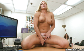 Cunning Amber Irons is gently sucking one of the massive sticks this babe has ever seen