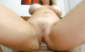 Aphrodisiac brown-haired Anita Cannibal sucks acock after having her pussy eaten