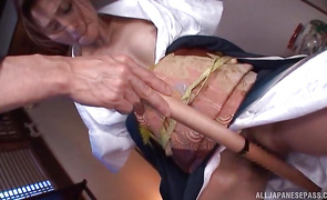Playsome hottie Akari Asahina sits and then grinds the pipe