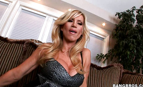Wanton older Amber Lynn is a real pro when it comes to sucking a cock