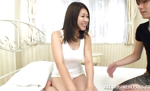 Busty mature lady Suzuna Komiya offers her wanton gash to a built man