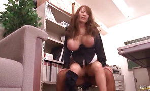 Amazing bombshell Hitomi Tanaka with huge tits rides her man playmate like a pro