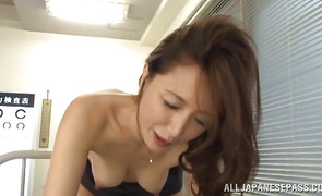Captivating mature Sayuri Honjyou is sucking fucker's weenie to check if he can handle the situation