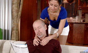 Immoral mature minx Nikki Daniels has occasional lovestick cravings and can't hold back from giving free blowjobs