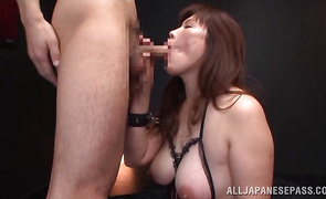 Voracious mature Reiko Shimura with wet pussy reaches a giant top