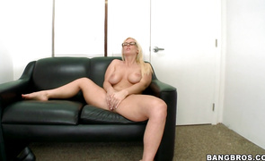 Marvelous mature Kaylee Brookshire lets a dude finger her pussy