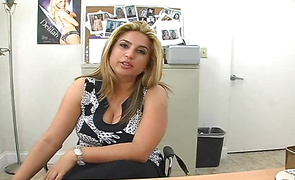 Striking lalin girl minx Rocio Marrero is about to have a free sex lesson from her chap