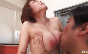 Worshipped mature girlfriend Reiko Yamaguchi with great tits get a rough nailing session for her moist gap