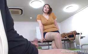 Luscious big boobed floosy Aoi Aoyama goes home with a muff male
