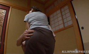 Topnotch mature Kumi Kanzaki eagerly rides and sucks a pretty fat wang