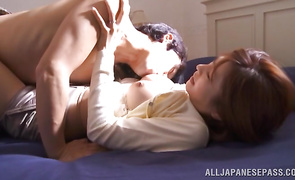 Heavenly gal Akari Asahina seduces experienced boy like a boss