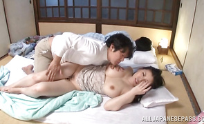 Stranger knows exactly when he should fuck filthy bosomed mature Sophia Takigawa until she begins screaming loudly