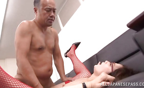 Sexy mature darling deepthroats big tool with pleasure