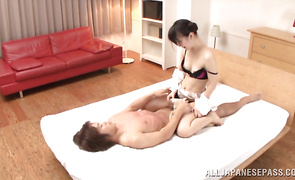 Topnotch mature lady gets her perfect ass fiercely banged