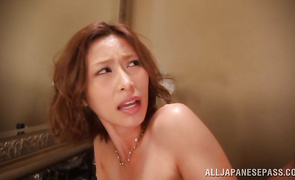 Kissing her stud alluring milf Akari Asahina intend to be fucked